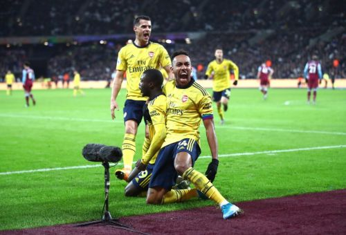 Arsenal offer Pierre-Emerick Aubameyang a contract extension