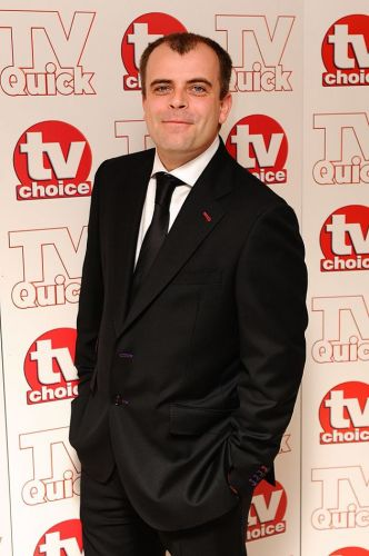 Coronation Street's Simon Gregson Says He Was Drunk When He Defended Dominic Cummings In Sweary Tweets