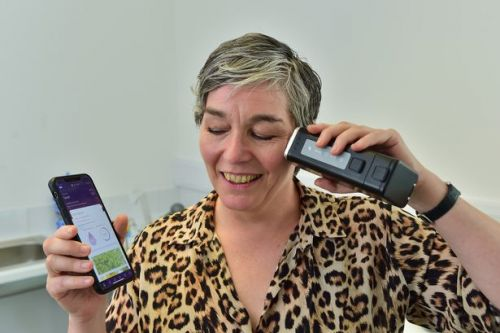 Scots engineer's new beauty gadget dubbed 'Fitbit for the face'