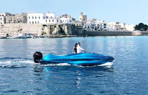 An Italian company created the world's first 3D-printed fiberglass boat - take a closer look at the sleek 'Mambo'