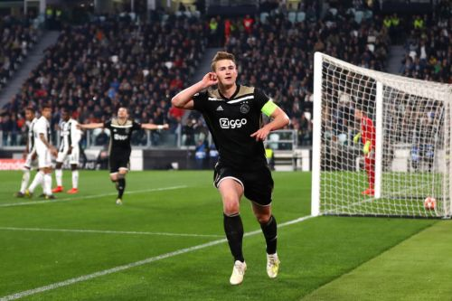 De Ligt gives update on future amidst Man United & Barcelona links