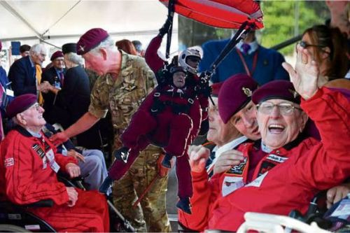 Scottish war hero hailed by Prince Charles after recreating WWII parachute jump aged 97