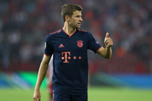 Thomas Muller signs new Bayern Munich contract, ending Man Utd interest