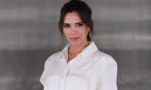 Victoria Beckham's monochrome outfit is the star of London Fashion Week