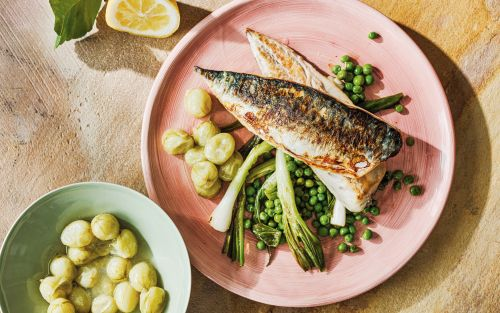 Mackerel with peas, spring onions and gooseberry sauce recipe