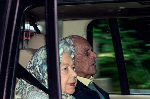 Queen and Prince Philip arrive at Balmoral day before Aberdeen lockdown begins