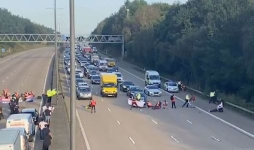 WATCH eco mob Insulate Britain cut off busy M25 in dangerous stunt causing rush hour chaos