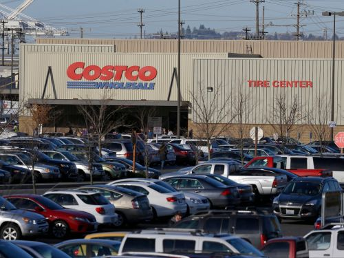 People are obsessed with buying their cars through Costco instead of at auto dealerships - these are the biggest differences between the two