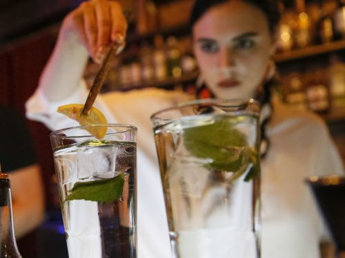 5 alcoholic drinks that are keto-friendly