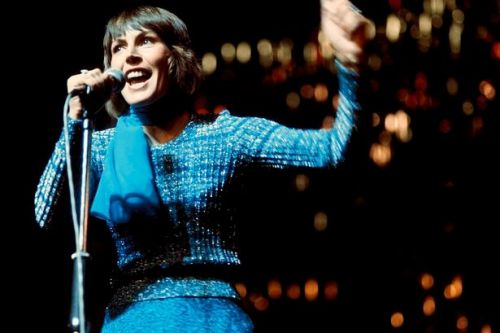 Trailblazing singer Helen Reddy dies at the age of 78, family announce