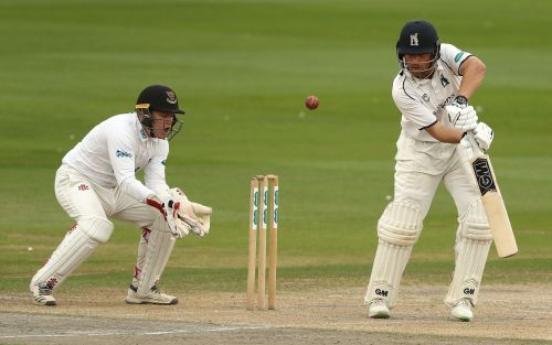 Warwickshire's Ian Bell and Jonathan Trott roll back years to frustrate Sussex