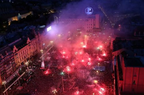 More than 300,000 Croatia fans welcome home World Cup heroes after final defeat to France