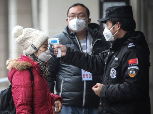 See inside Zhengzhou, the Chinese city shut down by the coronavirus where the world's largest iPhone factory is trying to attract workers with $1,000 bonuses