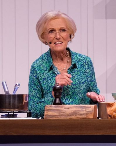 Mary Berry Reckons She's Never Had A Takeaway And Now We Want To Treat Her To A Box Of 20 Nuggets