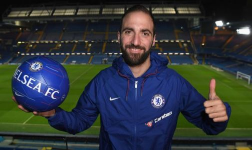 Gonzalo Higuain joins Chelsea on loan from Juventus