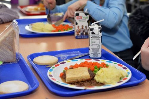 Council to send out money vouchers as replacement for free school meals