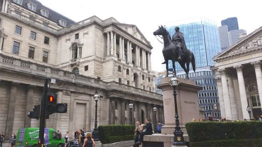 UK's biggest banks were hit with a warning to freeze their dividends during the Covid-19 uncertainty or face formal action