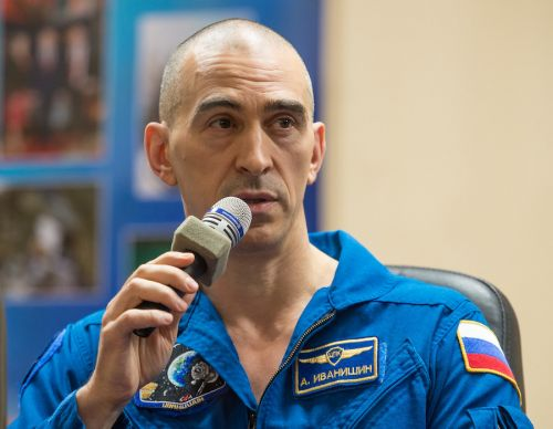 Russian space agency replaces cosmonauts on next space station crew