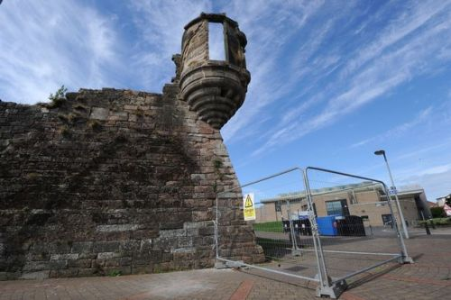 Crumbling Cromwell fortress undergoes repairs