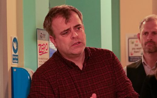Coronation Street star Simon Gregson attracts huge backlash after branding Dominic Cummings critics 'dickheads'