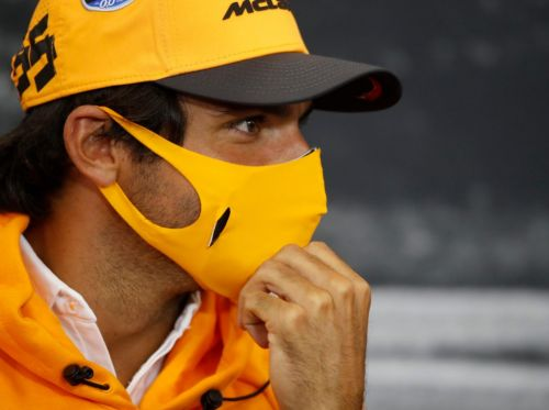 Sainz 'laughs' at doubters of his Ferrari move
