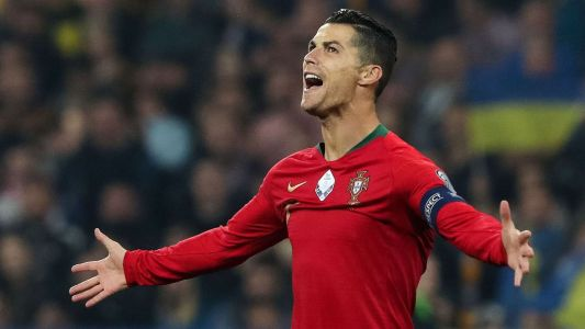Toe Poke Daily: Cristiano Ronaldo joins soccer legends Pele, Puskas and Romario in 700-goal club
