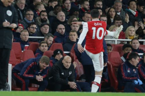 Andrey Arshavin advises Arsenal to sell Mesut Ozil: 'He slows the game down'