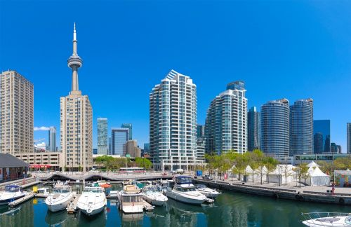 A Beginner's Guide to Visiting Toronto