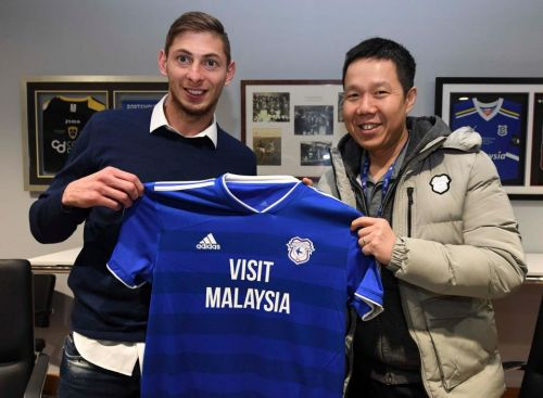 Emiliano Sala booked his own flight across The Channel - not Cardiff City - on a type of plane that's crashed 160 times