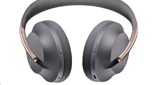 Bose 700 bundle pack adds extra value and colour to the noise-cancelling cans