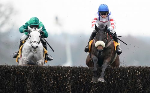 Clan Des Obeaux victory cruise boosts Cheltenham Gold Cup claim