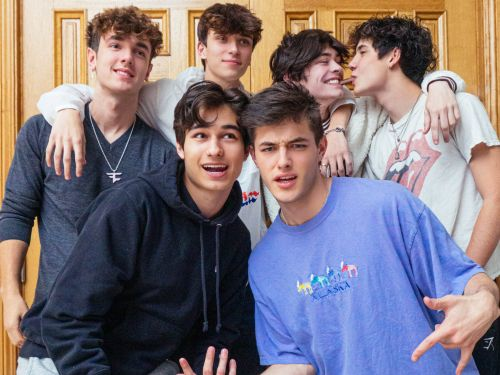 A crew of TikTok stars lives rent-free in a Bel Air mansion, but at Sway House you have to meet your content quota
