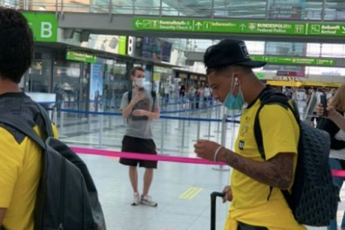 Man Utd target Sancho travels to Dortmund training camp as deadline expires