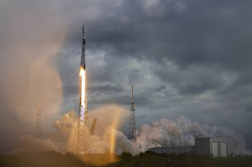 SpaceX smashes record with launch of 143 small satellites