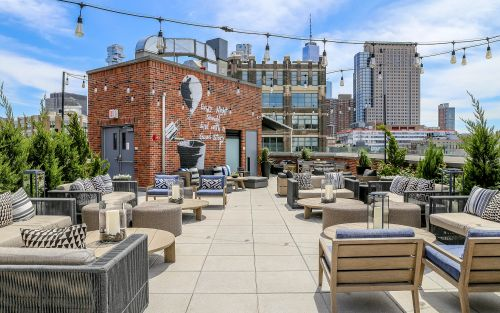 From terrific views to trendy cocktails, 12 incredible rooftop bars in New York hotels