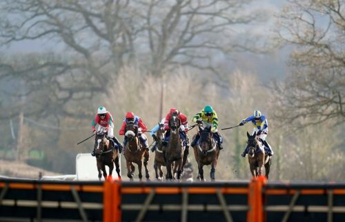 Live horse racing results: Who won the 2.40 at Newbury live on ITV4 today?