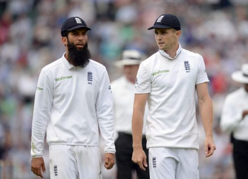 England hoping to avoid wider outbreak after Moeen Ali positive test for Covid