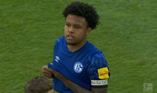 Schalke star Weston McKennie pays George Floyd respect as he demands justice for his death