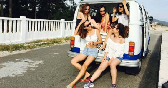 Seven Tips to Plan a Budget-friendly Vacation with Faraway Friends