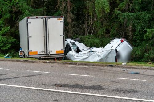 Man dies after horror smash between lorry and van on Highlands road