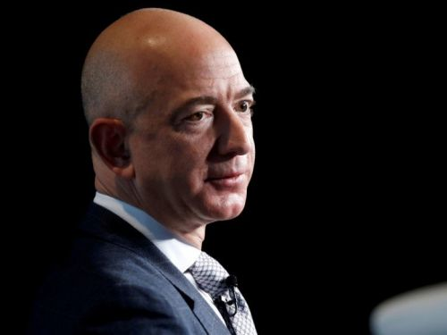 Jeff Bezos gave Saudi Crown Prince his number at a Hollywood dinner also attended by Kobe Bryant, Disney CEO Bob Iger, and Patriots owner Robert Kraft