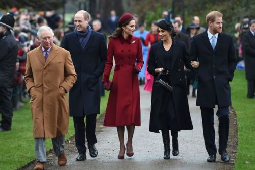 Meghan's miscarriage brings royal family closer as Prince William 'reaches out'
