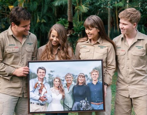 Bindi Irwin shares heartbreaking art of father Steve at wedding to Chandler Powell