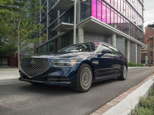The 2020 Genesis G90-a good luxury sedan from an alternate dimension