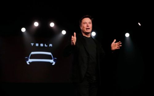 Elon Musk unveils plans to put one million Tesla robo-taxis on the road next year