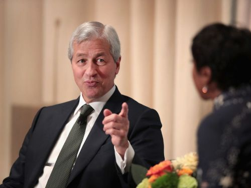 JPMorgan eyes commercial bank's international expansion with goal of $1 billion in revenue. 'This is an extraordinary opportunity to hire bankers.'