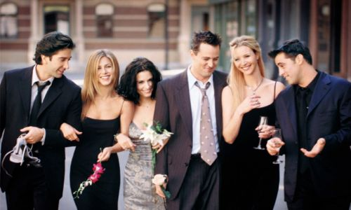 Courteney Cox shares NEW episode of Friends - and fans react!