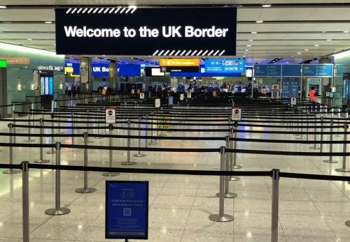 Government considering full closure of UK borders
