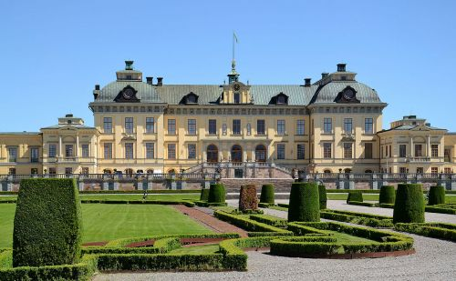 Sweden's Royal Court having financial difficulty