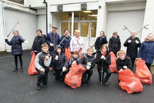 School pupils help clean up East Kilbride streets with litter picking